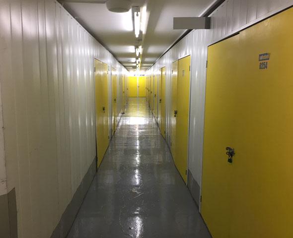 Safestore Edinburgh Gyle - aisle